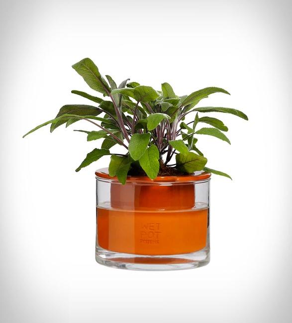 self-watering-pots-4.jpg