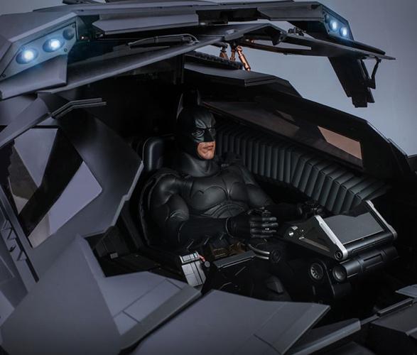 hyper-realistic-tumbler-batmobile-collectible-4.jpg