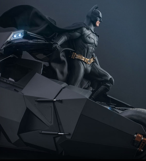 hyper-realistic-tumbler-batmobile-collectible-7.jpg