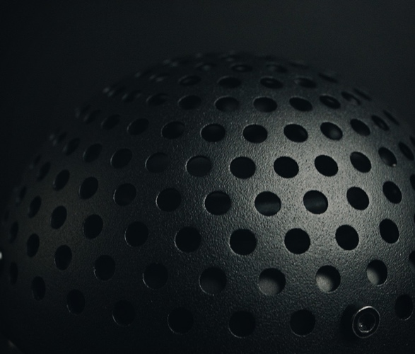 transparent-sound-light-speaker-5.jpg