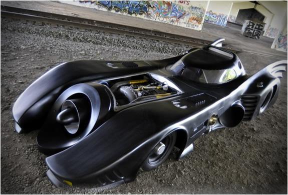 img_batmobile_turbine_powered.jpg