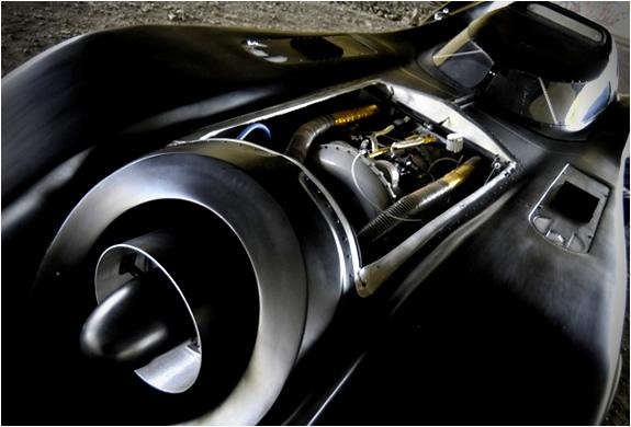 img_batmobile_turbine_powered_4.jpg