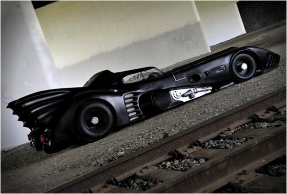 img_batmobile_turbine_powered_5.jpg
